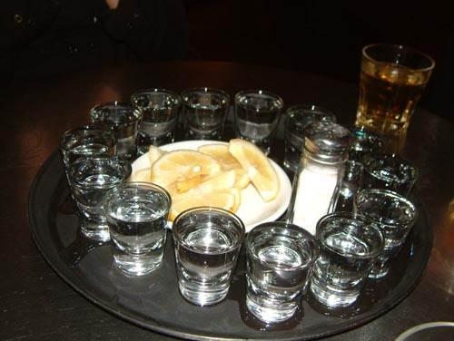 Copos de tequila