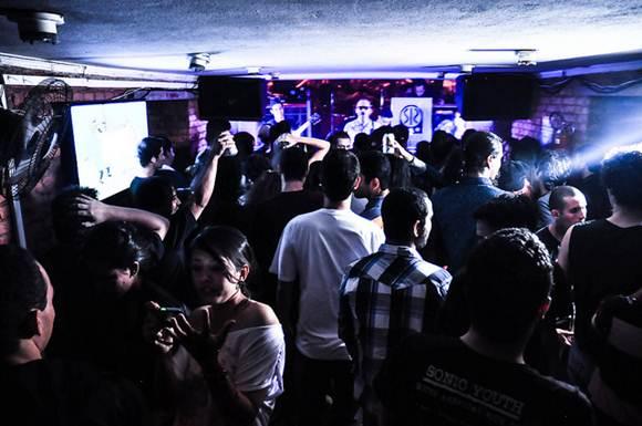 Casas noturnas podem ser voltadas para apresentação de bandas alternativas