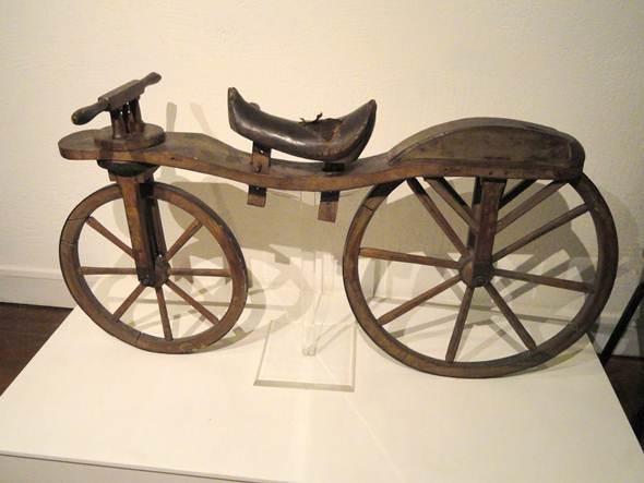 O celerífero é o primeiro veículo de duas rodas do mundo