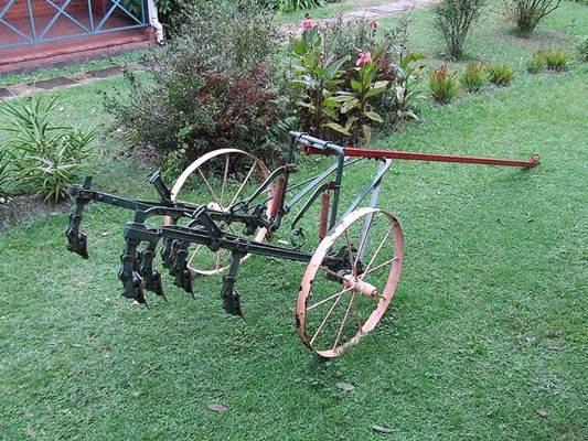 Implemento agrícola usado antigamente