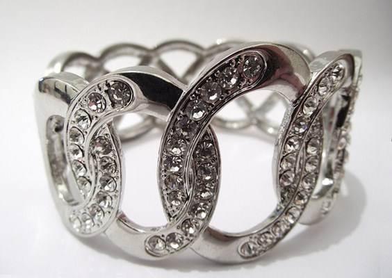 Bracelete de brilantes com prata ou ouro branco