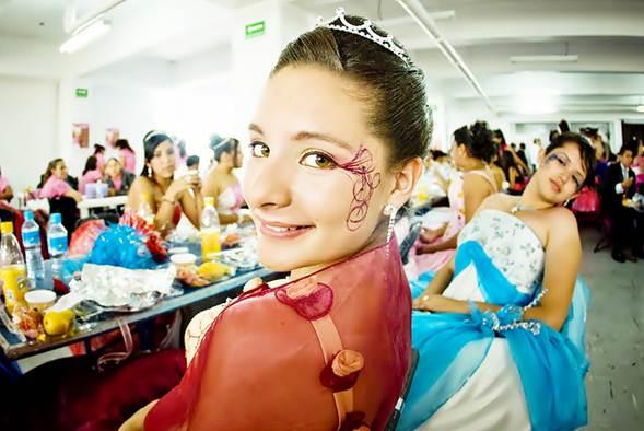 As apresentações de musicais, desfiles e teatro requer tratamento diferenciado na produção de cada evento