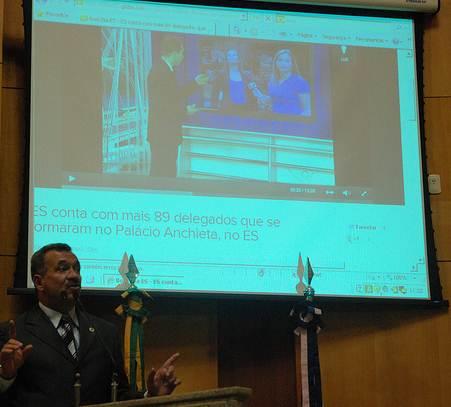 Os telões são usados como apoio em seminários, conferências, palestra e até apresentações da Assembléia Legislativa