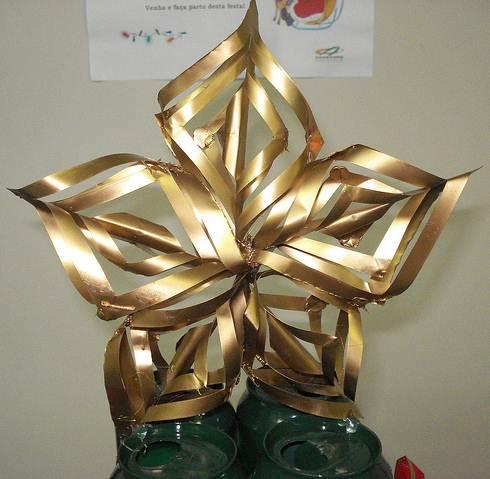Estrela de Natal feita de alumínio