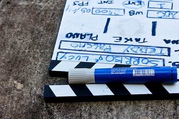 A claquete ajuda na separação das cenas na hora da decupagem e edição