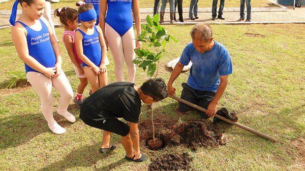 Ação educativa realizada no dia do meio ambiente