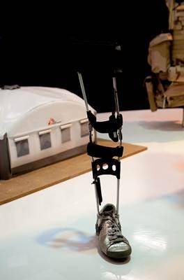 Perna mecânica projetada por engenheiros