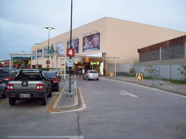 Entrada do Shopping pela Avenida Santa Beatriz