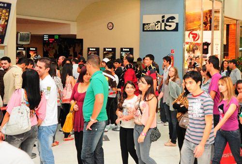 Entrada das salas de exibição Cinemais Uberaba
