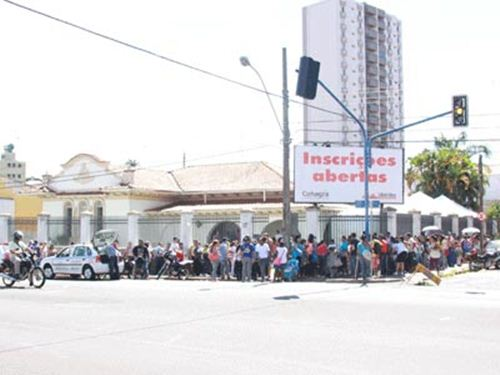 """Dia de inscrições no Programa """"Minha Casa Minha Vida"""" em Uberaba - Foto: Jornal da Manhã"""