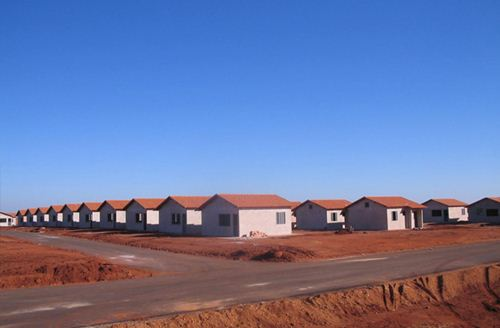 """Casa do programa """"Minha Casa Minha Vida"""" já entregues no bairro Francisco Angotti - Foto: Site da Prefeitura Municipal - Cohagra"""