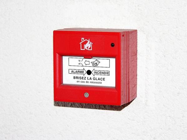 Dispositivo que dispara alarme em caso de incêndio - Foto Flickr @zigazou76