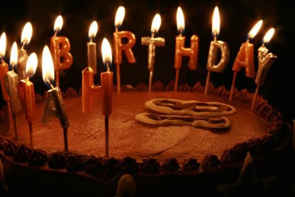 Bolo de aniversário - Foto MorgueFile @priyanphoenix